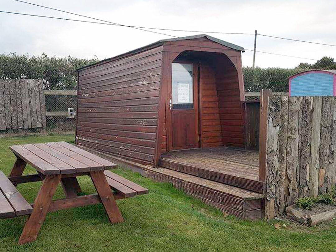 Log Cabins & Pods – Cabin 3